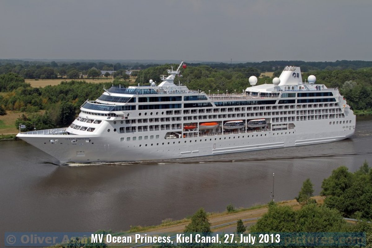 MV Ocean Princess, Kiel Canal, 27. July 2013