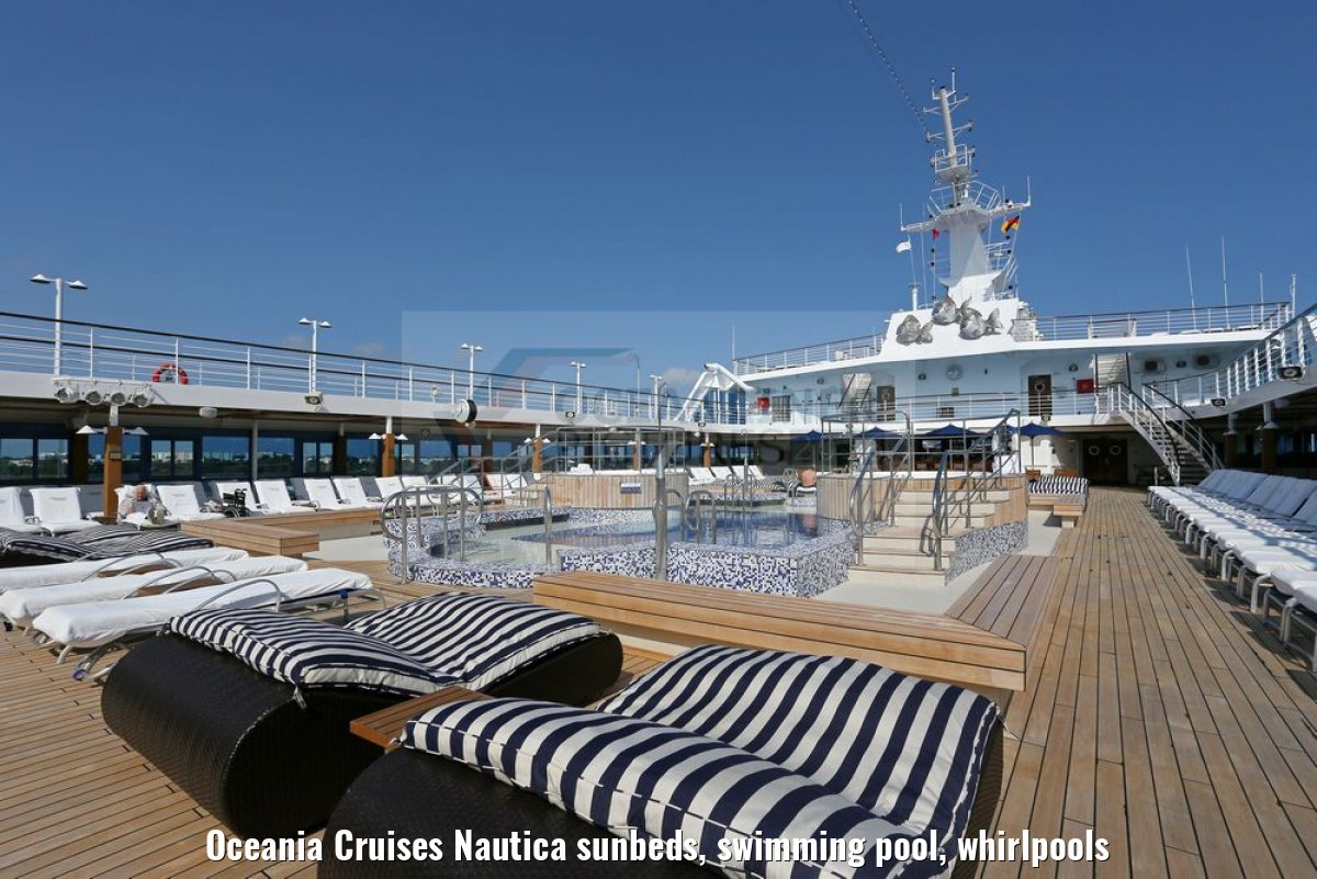 Oceania Cruises Nautica sunbeds, swimming pool, whirlpools