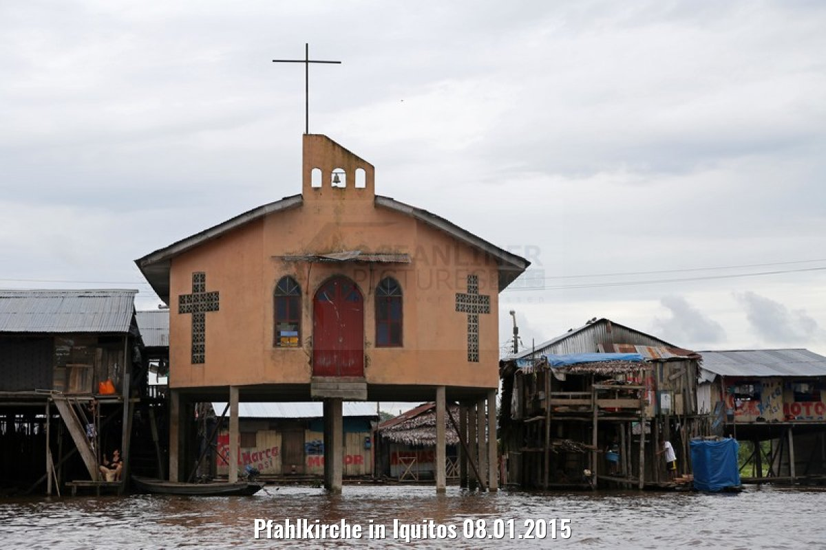 Pfahlkirche in Iquitos 08.01.2015