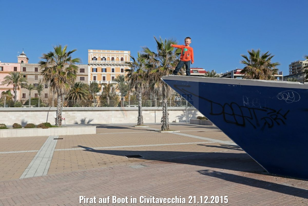 Pirat auf Boot in Civitavecchia 21.12.2015