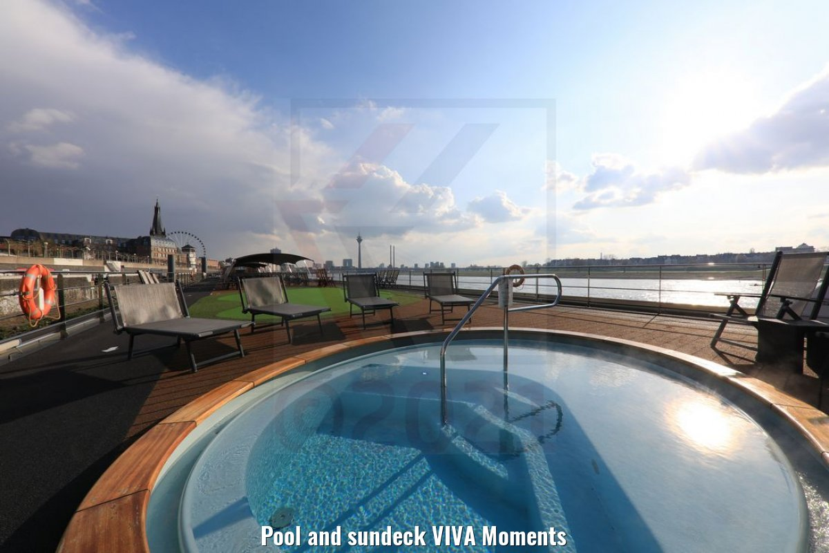 Pool and sundeck VIVA Moments
