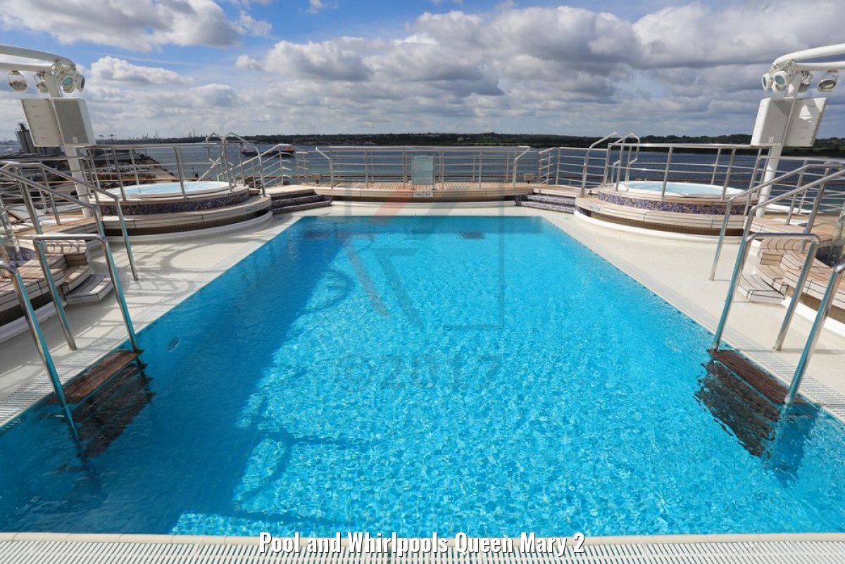 Pool and Whirlpools Queen Mary 2
