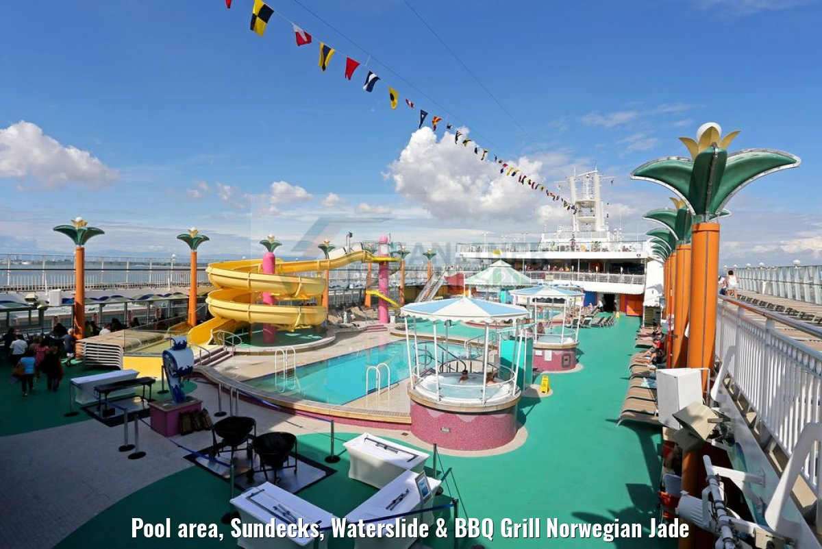 Pool area, Sundecks, Waterslide & BBQ Grill Norwegian Jade