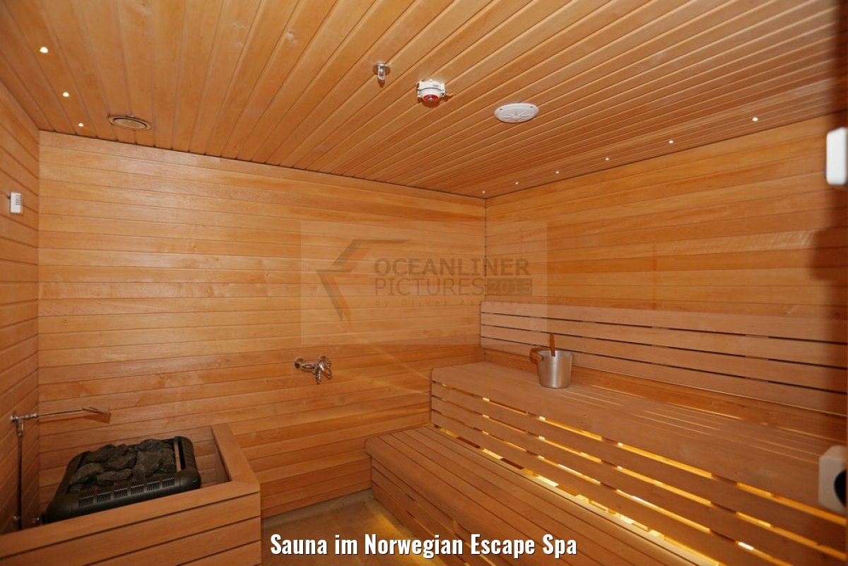 Sauna im Norwegian Escape Spa