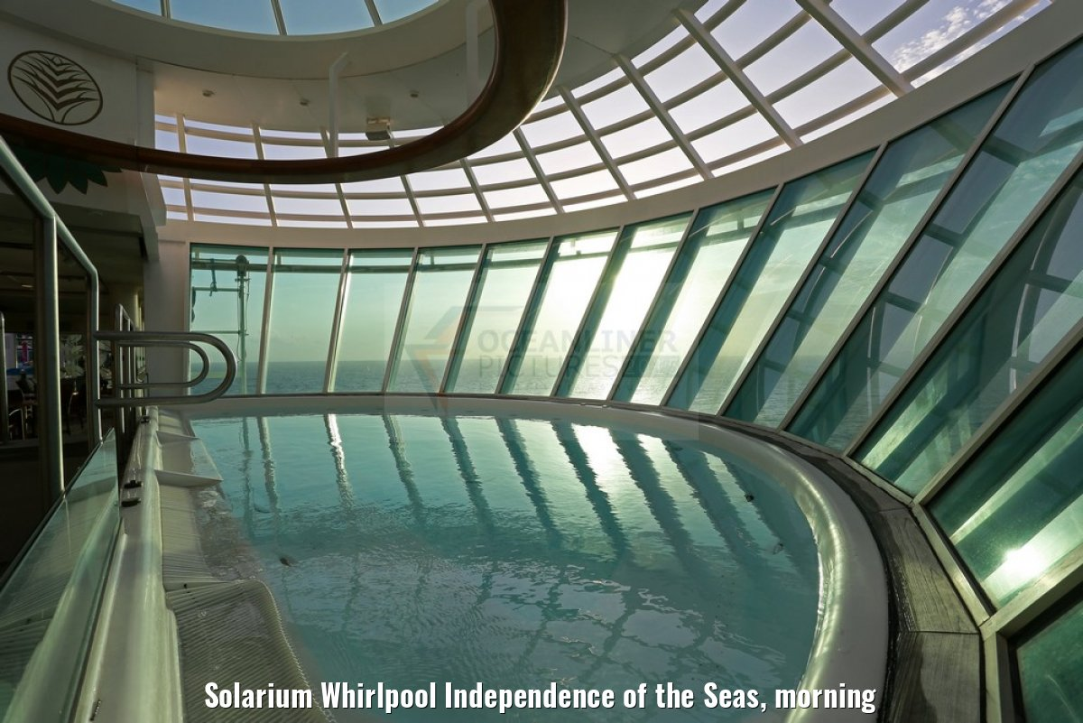 Solarium Whirlpool Independence of the Seas, morning