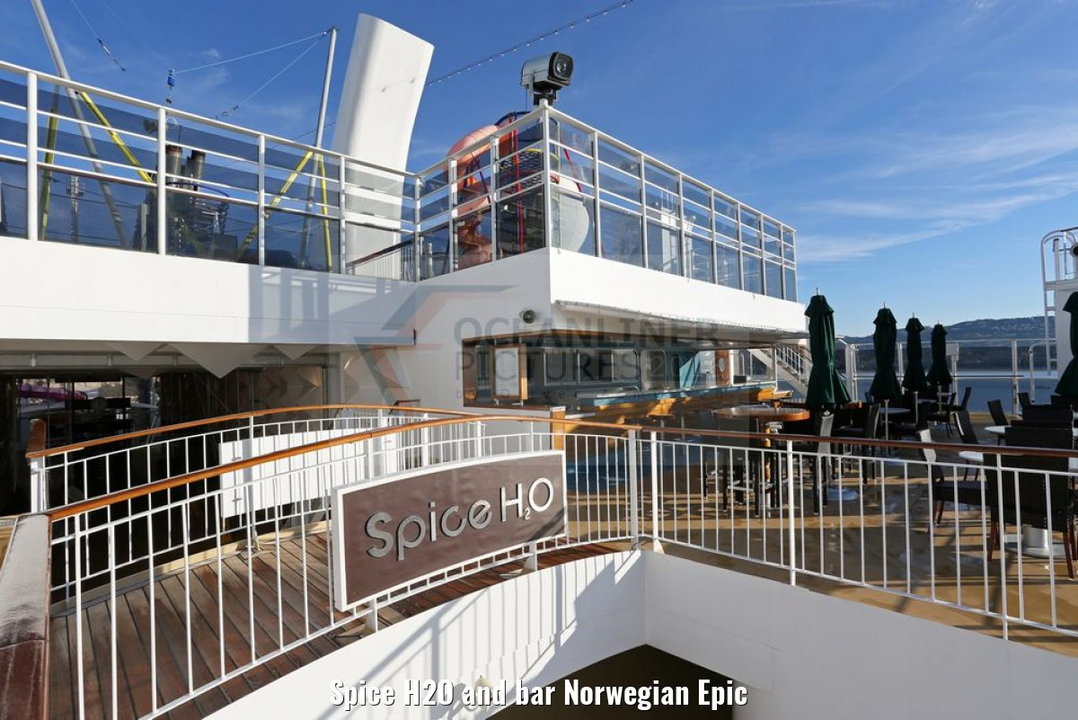 Spice H2O and bar Norwegian Epic