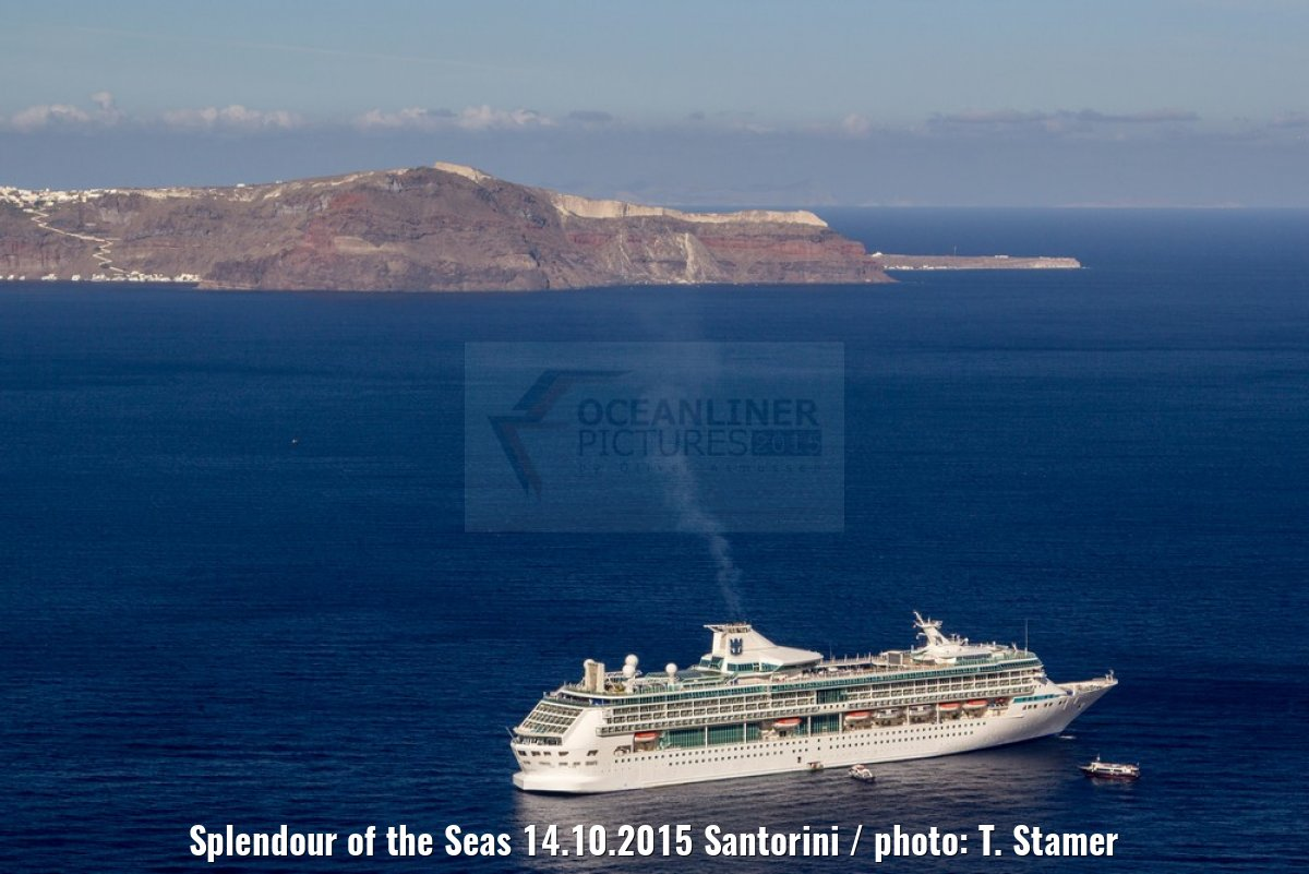 Splendour of the Seas 14.10.2015 Santorini / photo: T. Stamer