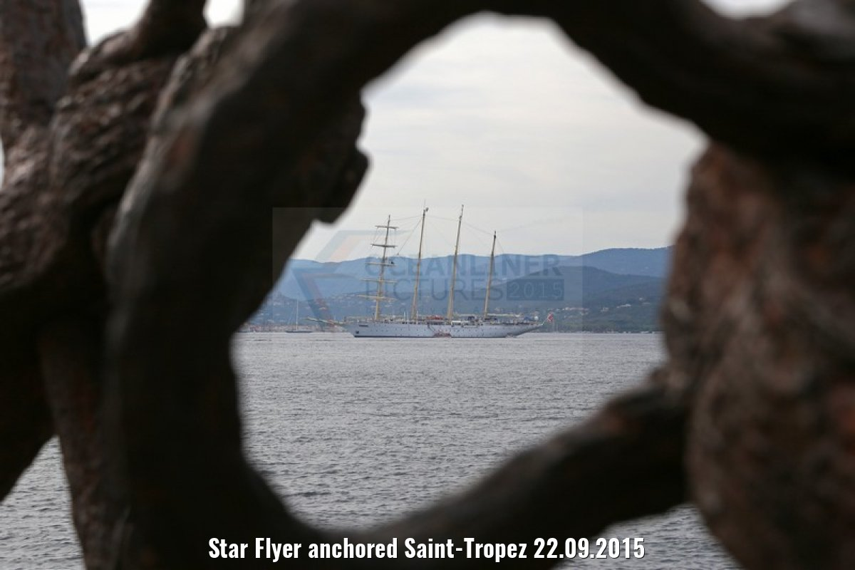 Star Flyer anchored Saint-Tropez 22.09.2015