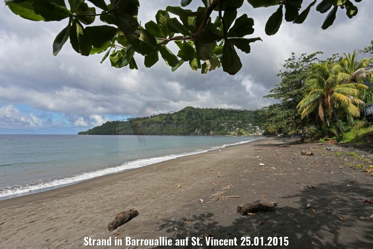 Strand in Barrouallie auf St. Vincent 25.01.2015
