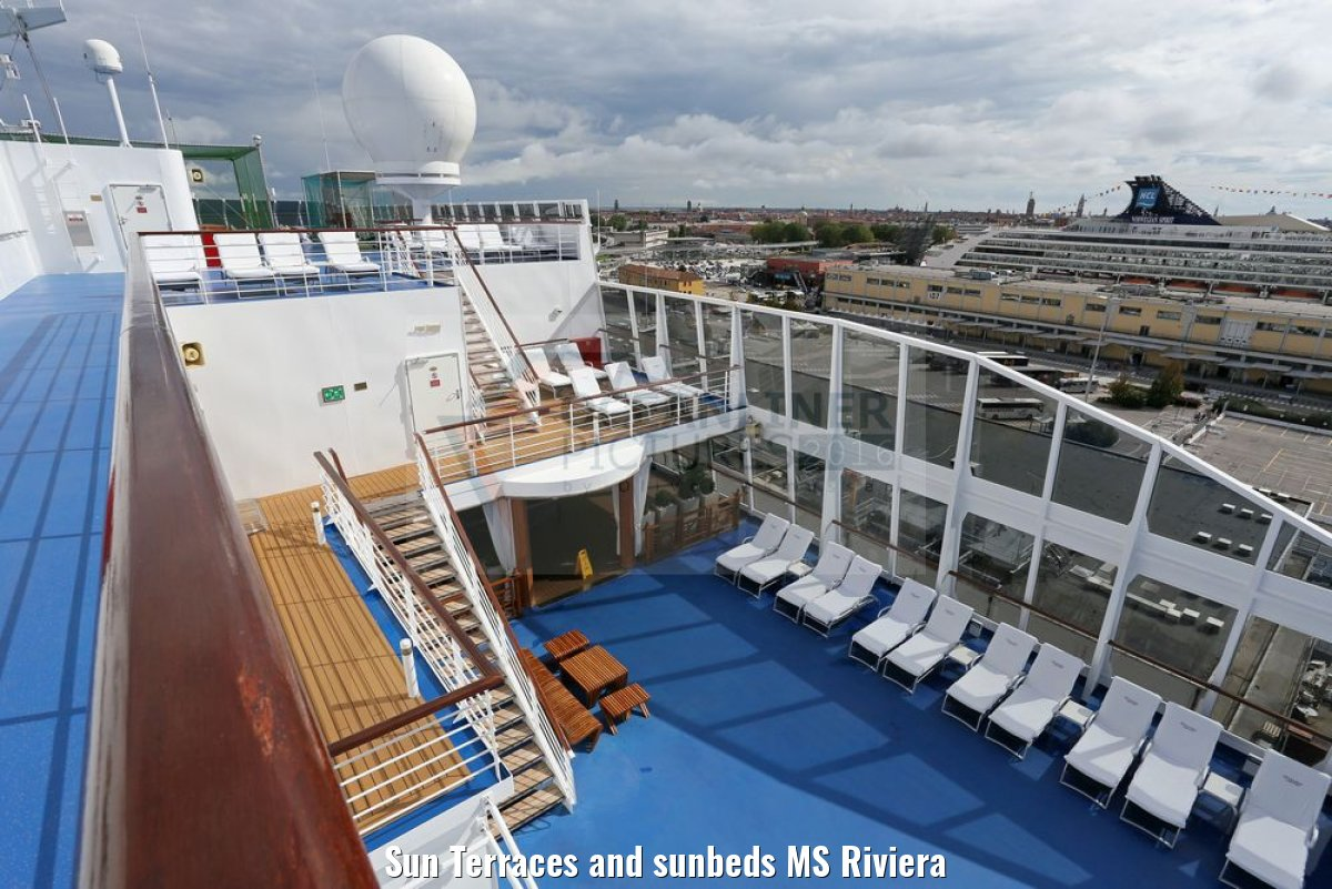 Sun Terraces and sunbeds MS Riviera