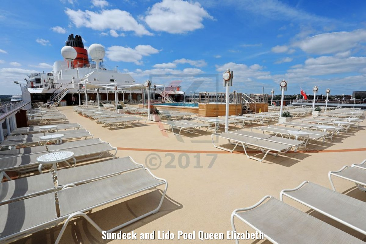 Sundeck and Lido Pool Queen Elizabeth