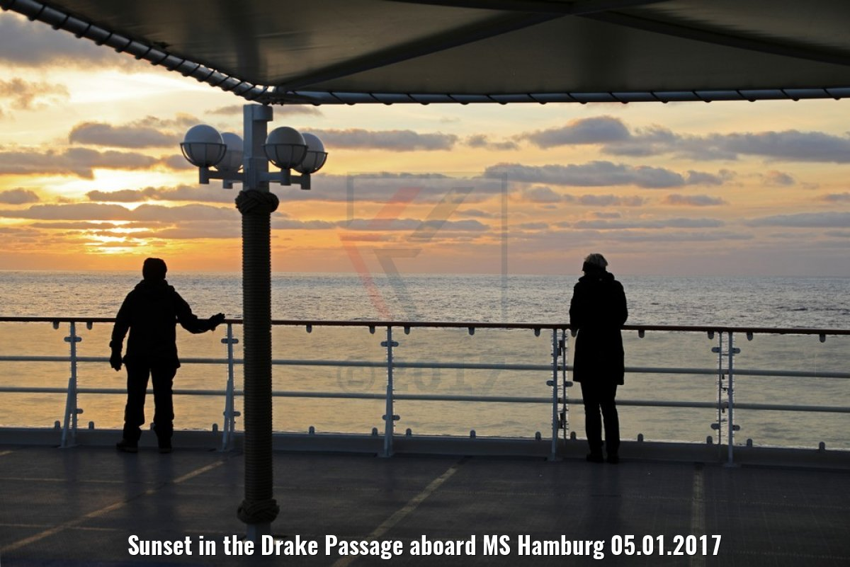 Sunset in the Drake Passage aboard MS Hamburg 05.01.2017