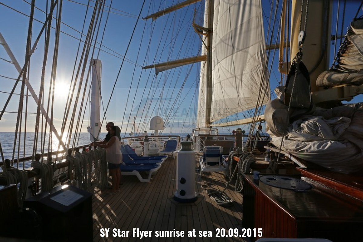 SY Star Flyer sunrise at sea 20.09.2015