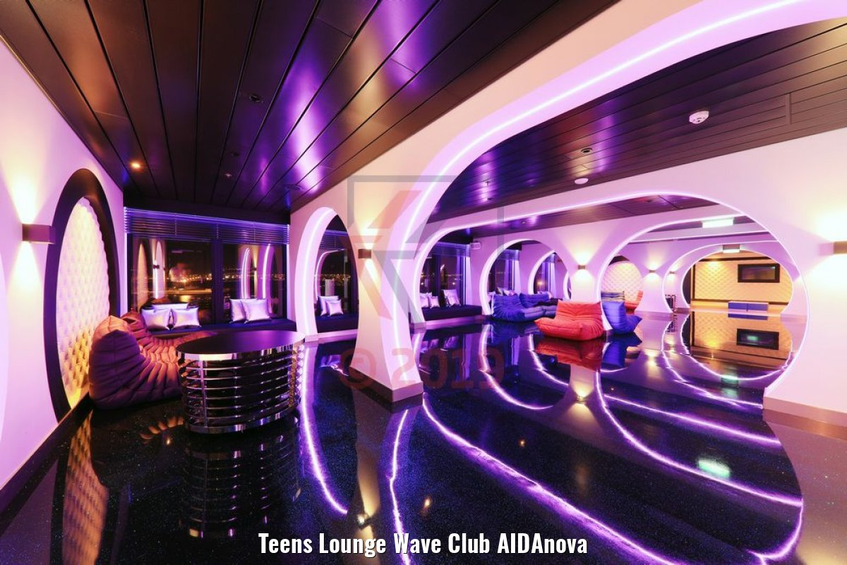 Teens Lounge Wave Club AIDAnova