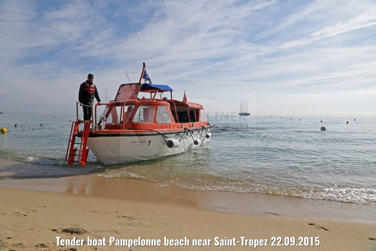 Tender boat Pampelonne beach near Saint-Tropez 22.09.2015