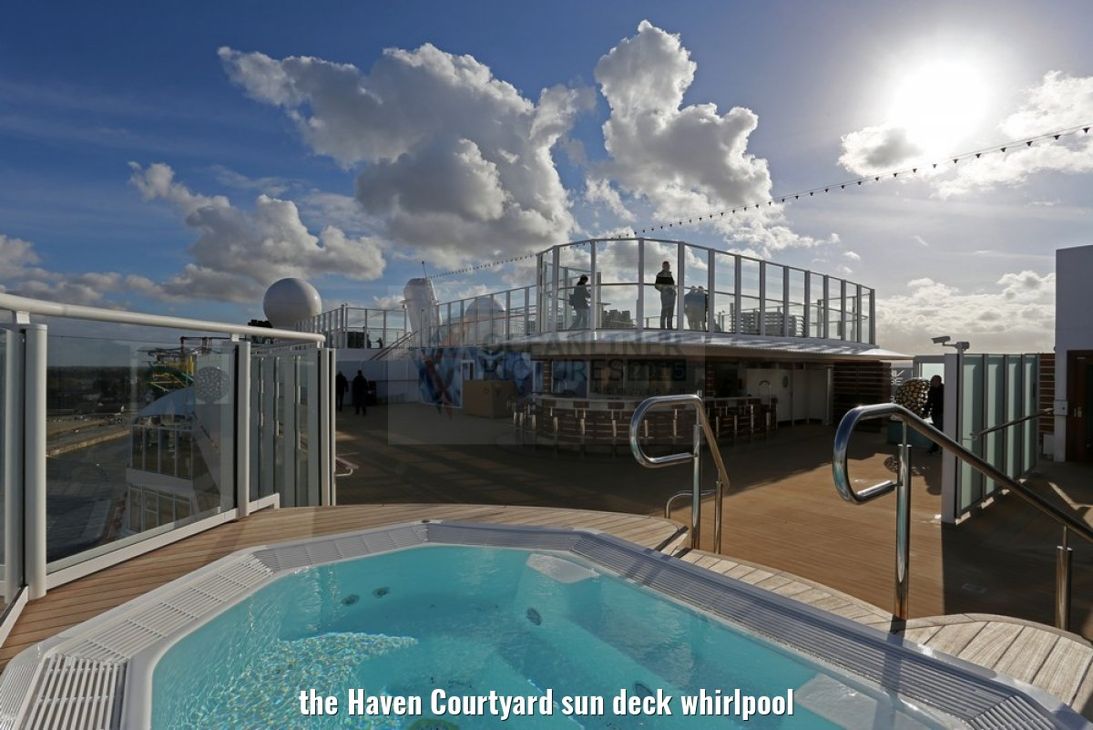 the Haven Courtyard sun deck whirlpool