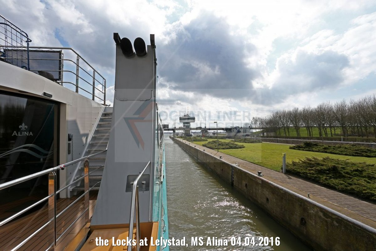 the Locks at Lelystad, MS Alina 04.04.2016