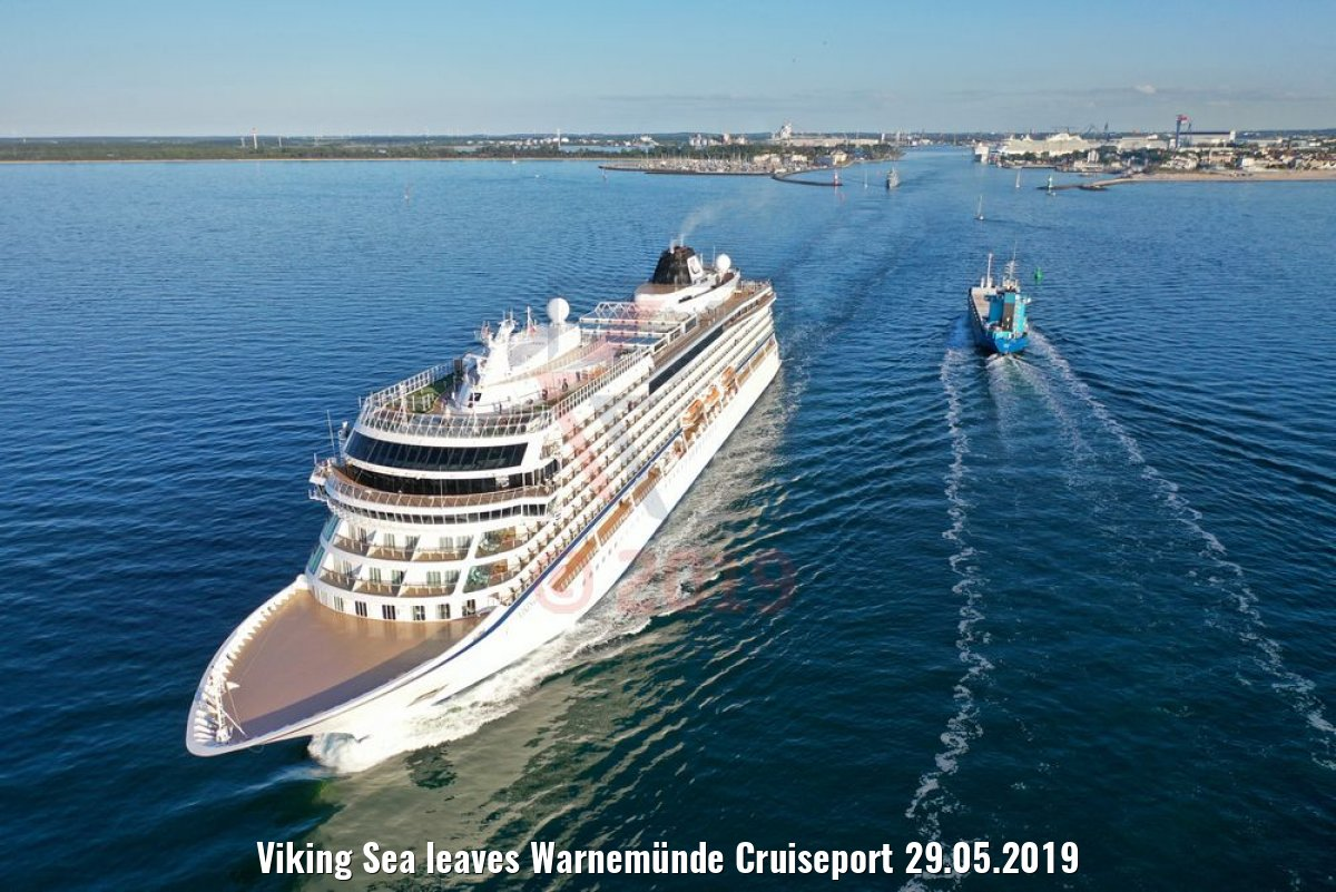 Viking Sea leaves Warnemünde Cruiseport 29.05.2019
