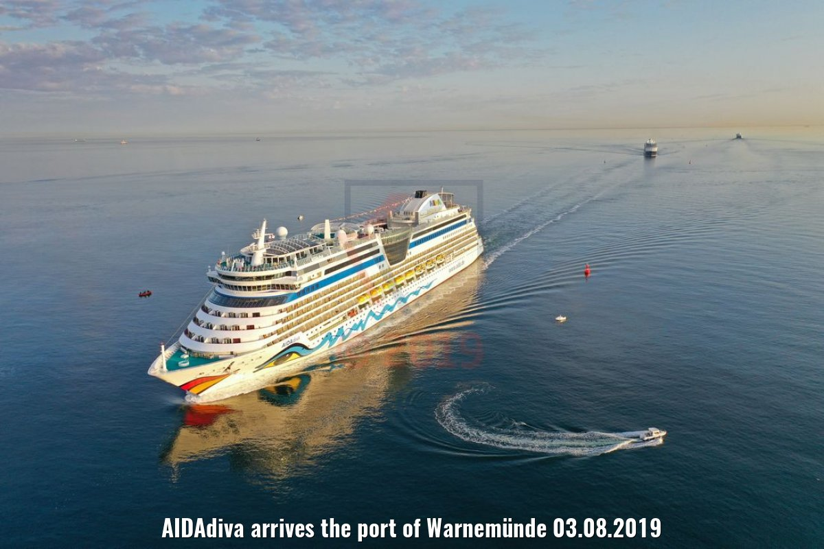 AIDAdiva arrives the port of Warnemünde 03.08.2019