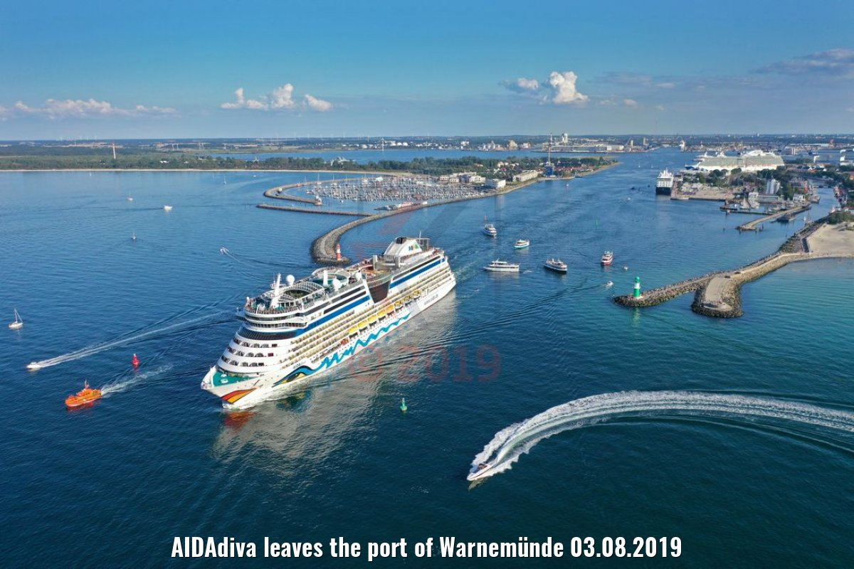 AIDAdiva leaves the port of Warnemünde 03.08.2019