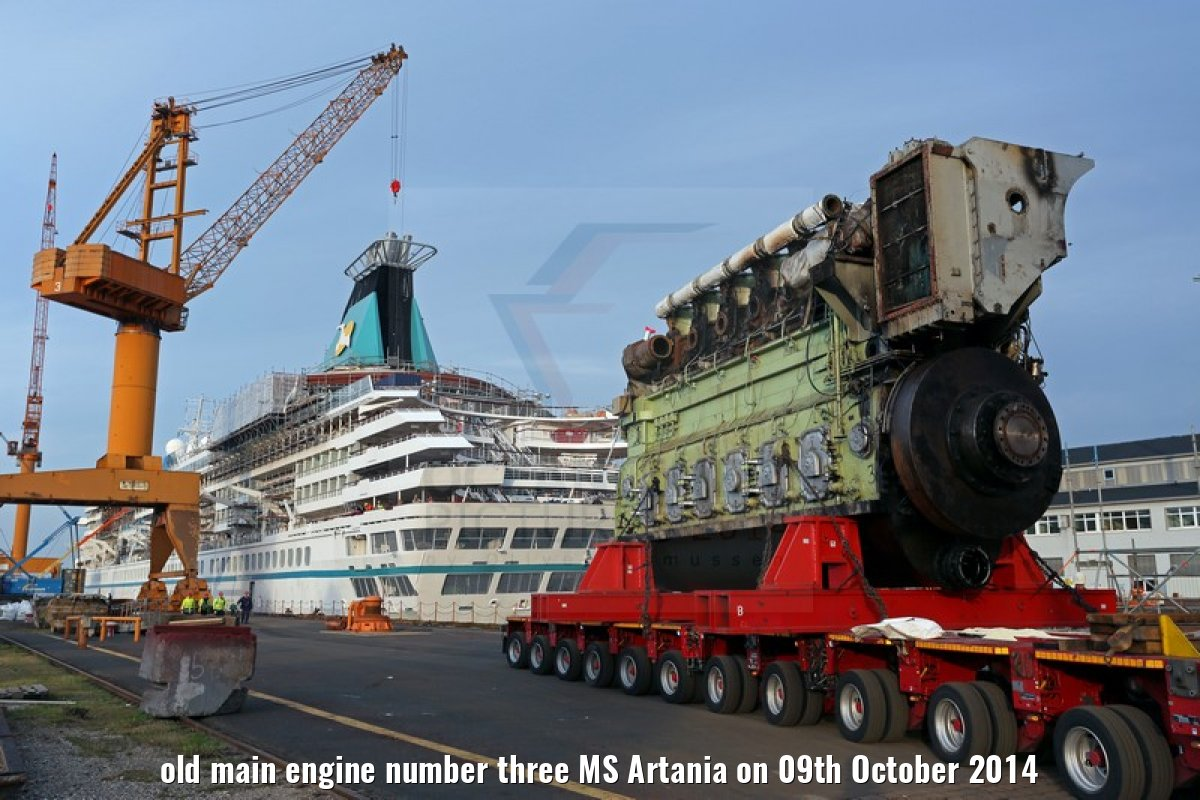 old main engine number three MS Artania on 09th October 2014