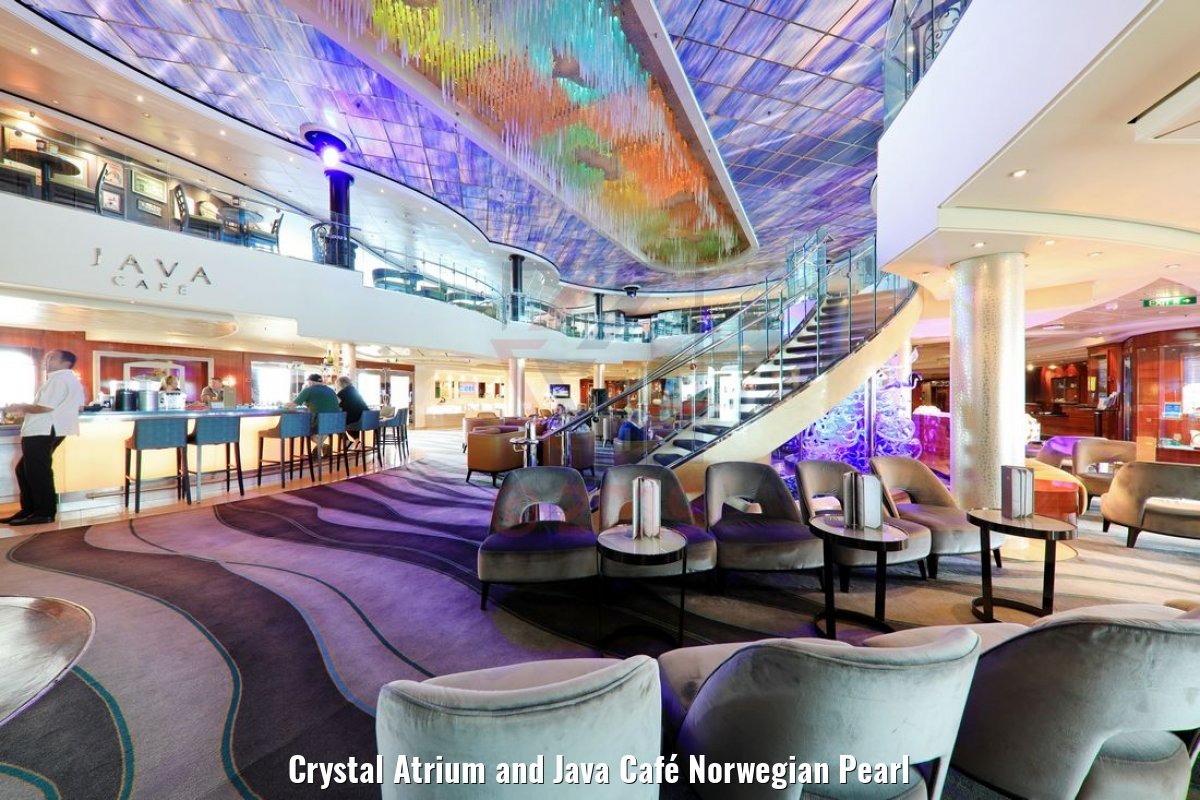Crystal Atrium and Java Café Norwegian Pearl