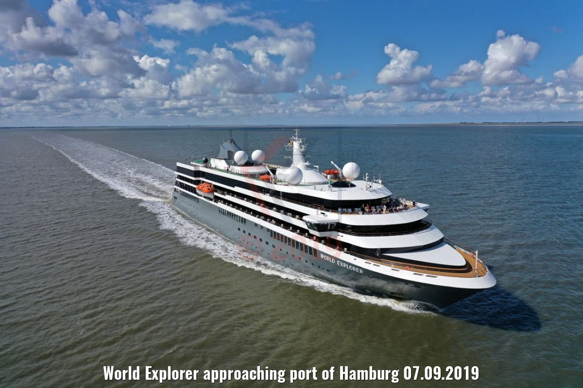 World Explorer approaching port of Hamburg 07.09.2019